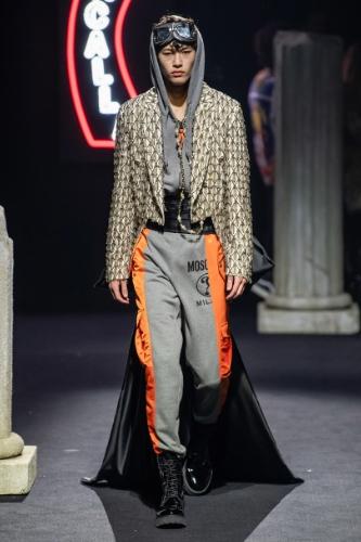 moda męska moschino 2019
