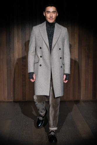 szary jesienny męski płaszcz